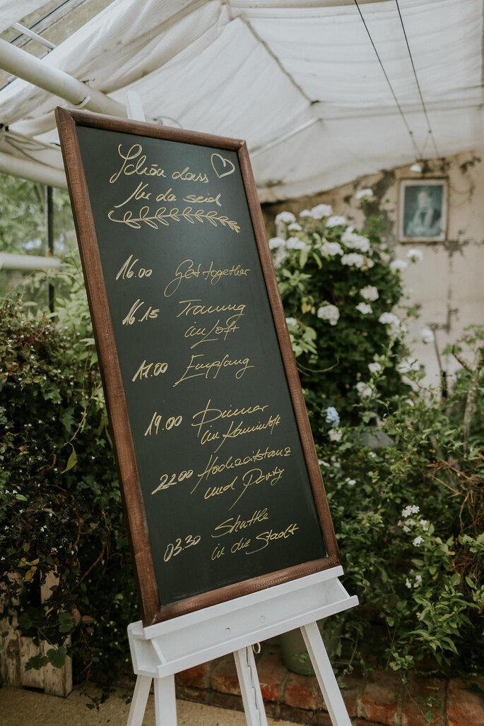 Tiny Wedding im Boho Stil Alte Gärtnerei München Willkommensschild