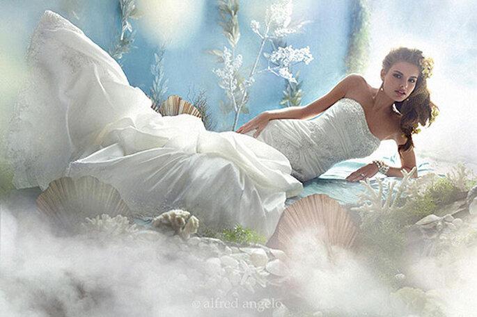 Vestido de novia inspirado en la sirena Ariel de 'La Sirenita', de Alfred Angelo