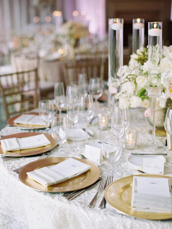 Hermosa inspiración para una boda muy elegante - Landon Jacob Productions vía Style Me Pretty