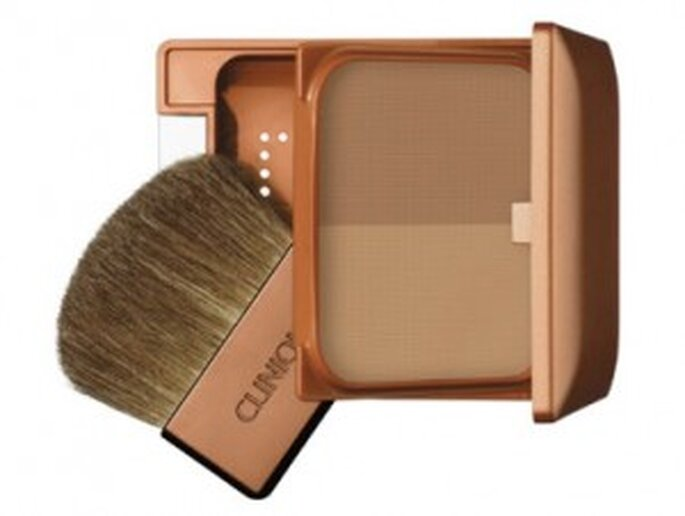 Clinique Almost Bronzer con dos tonos.