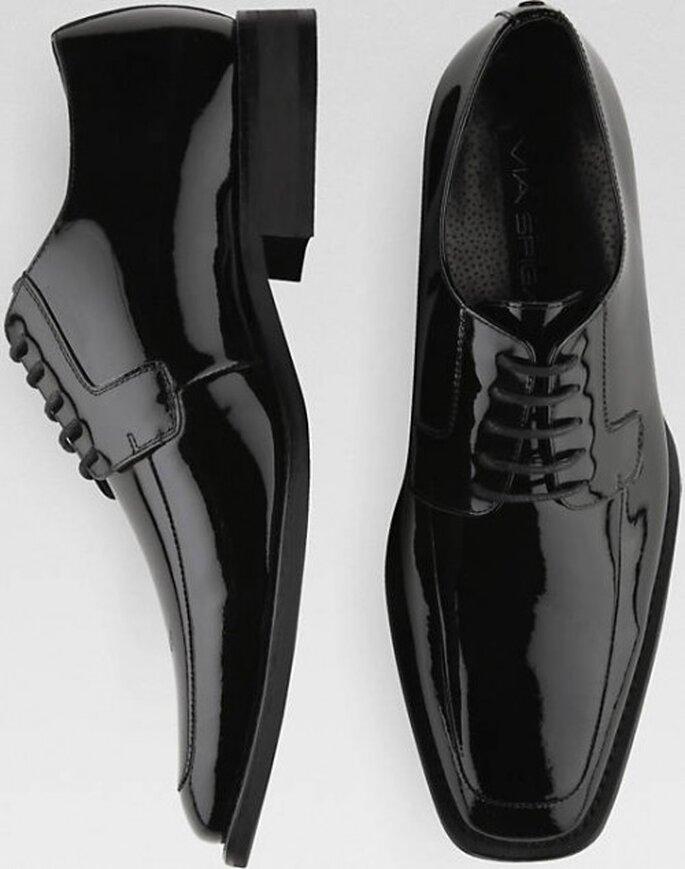 Zapatos ideales para combinar con el look del novio - Foto Via Spiga