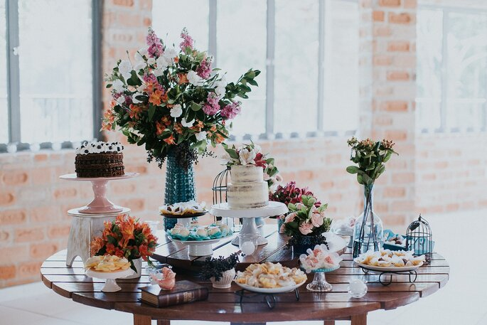 Mesa de doces para mini weddings