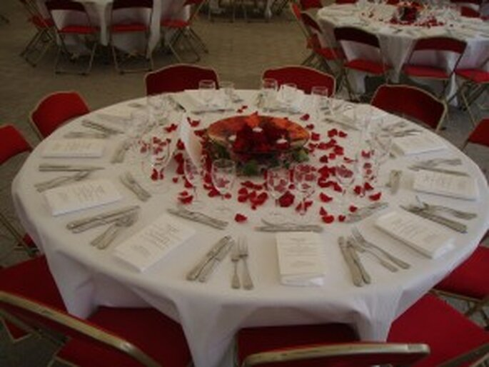 Bâteau PlayTime table mariage tente