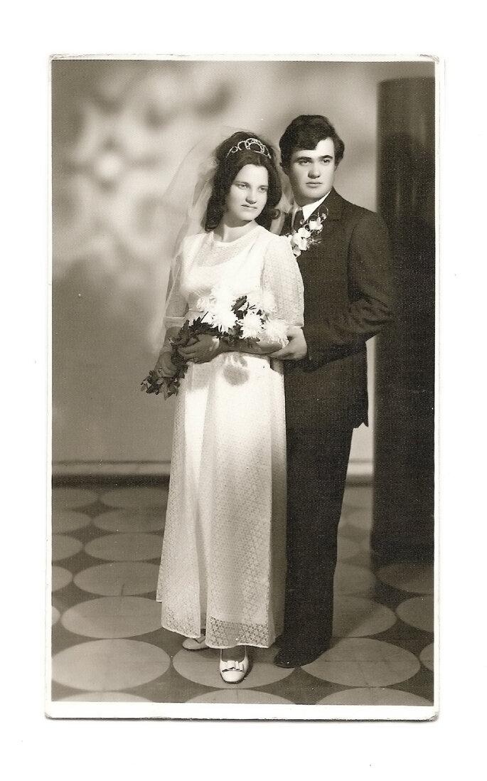 Foto antigua de pareja de boda. Foto: Tudor Catalin Gheorghe