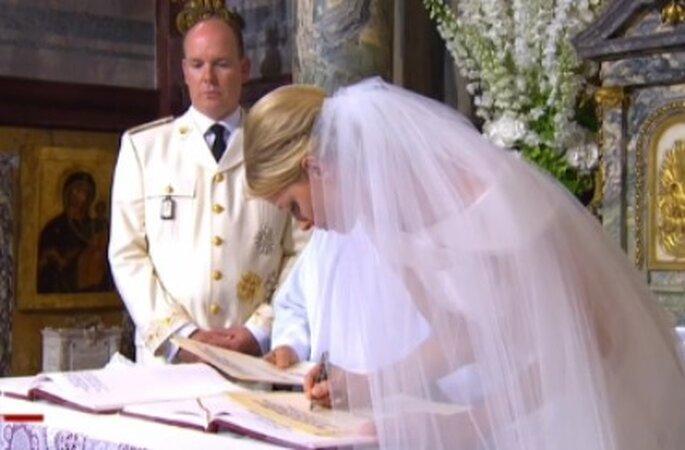 Unterschrift kirchliche Zeremonie Hochzeit Monaco