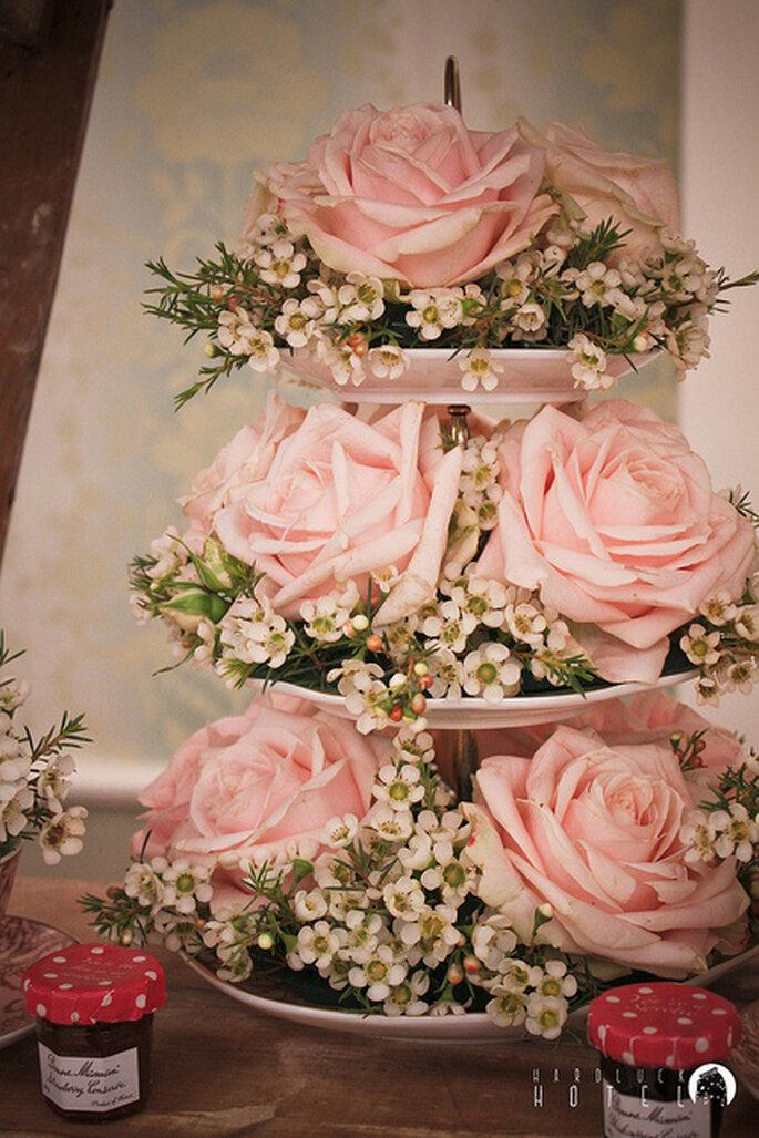 Precioso adorno con rosas rosas. Foto: Keith Bloomfield