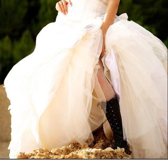 Botos negras para tu sesion Trash The Dress. Imagen Natan Fotografía