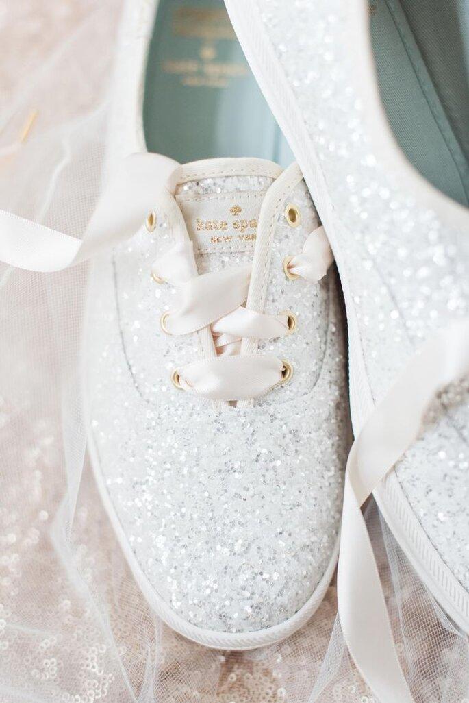 Vestidos de novia cortos con tenis