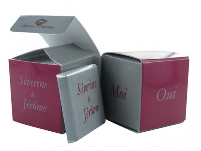 """Le double cube """"Unis pour la vie"""" fera forcément craquer les invités de votre mariage ! - Photo : Chocolat de Mariage"""