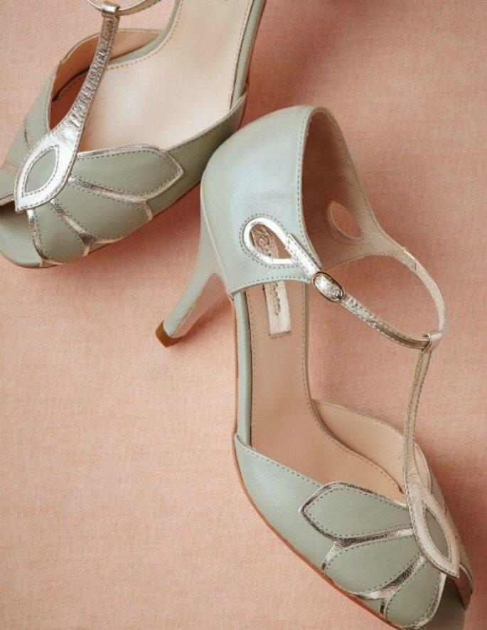 Zapatos de novia en color menta. Foto: BHLDN