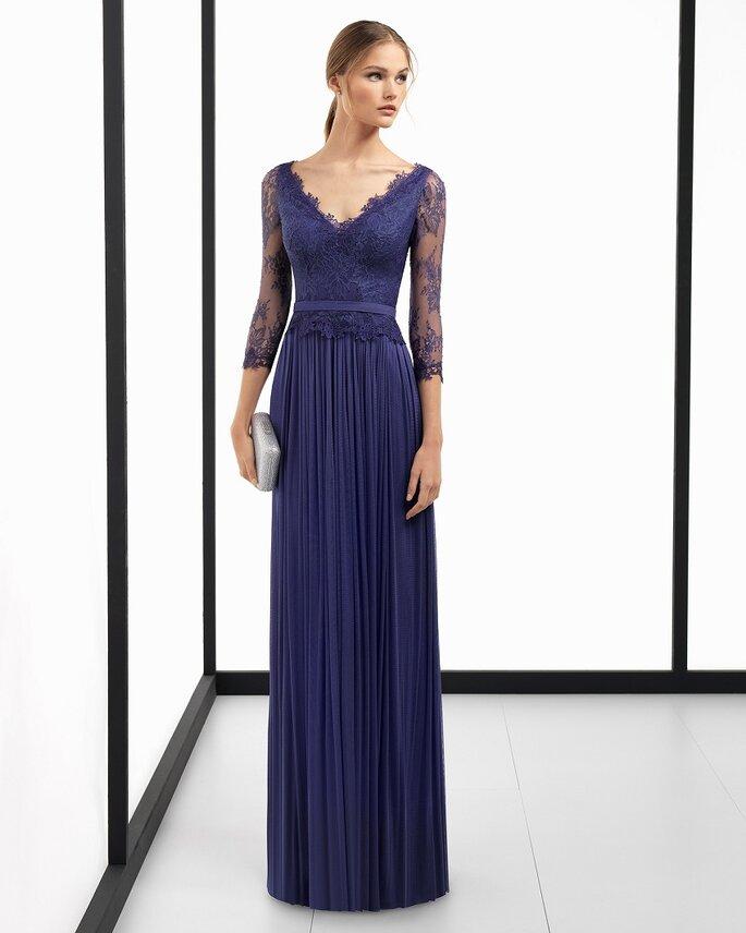 Vestido de fiesta azul escote en V y manga larga