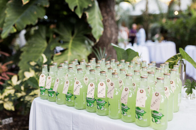 Botellas como recordatorios para matrimonio