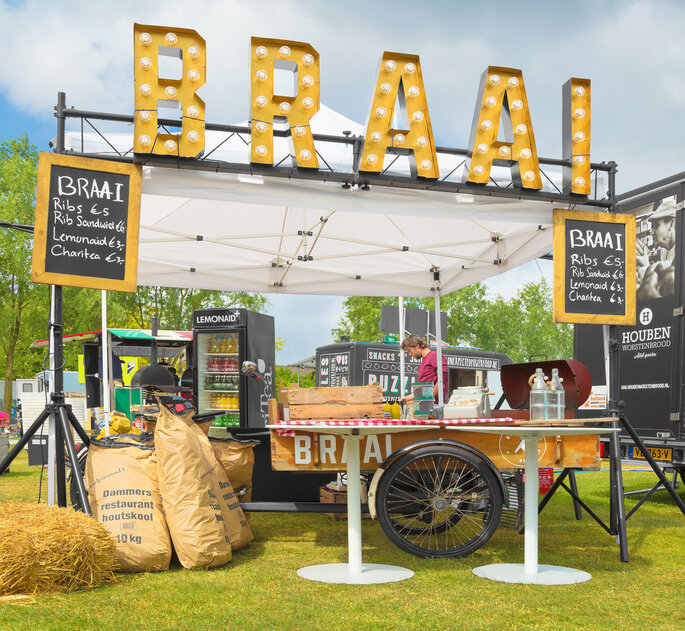 Food Truck Wedding Ideas: 15 Tips To Ensure Your Food Truck Wedding Reception Is A