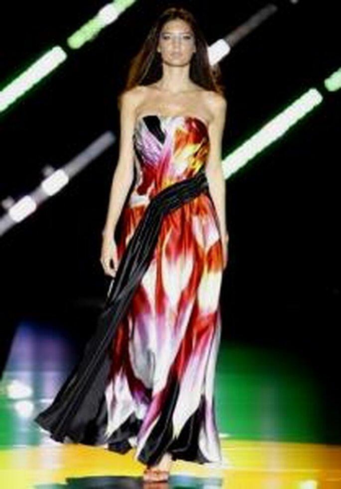 Cabotine 2010 - Vestido largo en seda estampada en colores cálidos, strapless