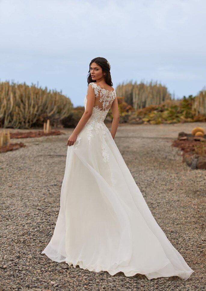 Pronovias Premiere 2021 Vestido de novia corte en a con escote de pico con espalda efecto tatoo