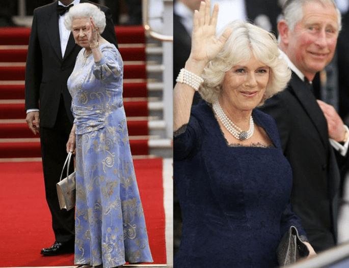 La noche anterior a la boda, tanto Camilla como la reina Isabel apostaron por un look sencillo