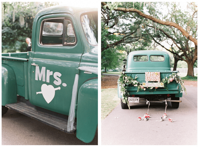 Decoraciones originales para el coche de los novios - Foto Red Letter Events