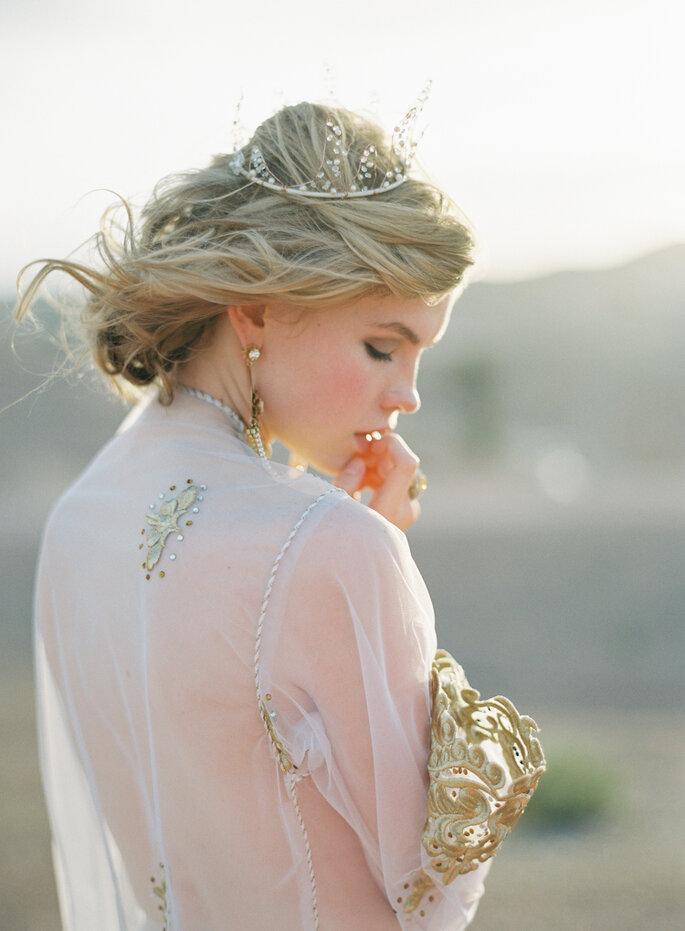 Créditos: Kurt Boomer La misión de las joyas es distinguir y realzar el look de la novia.
