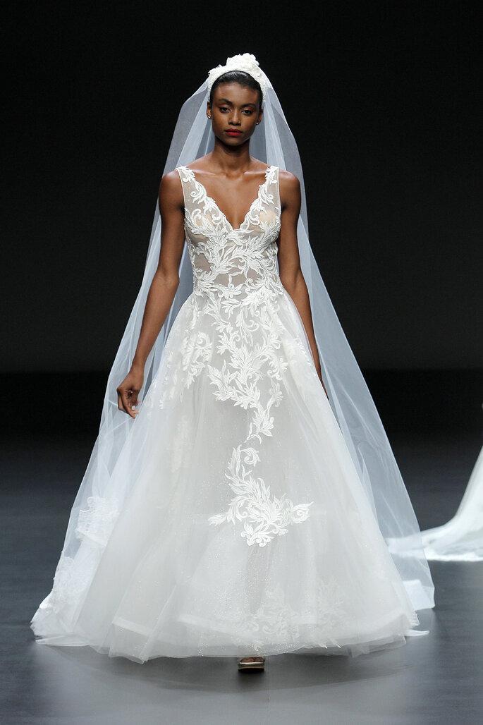 Vestido de novia Cymbeline velo de novia