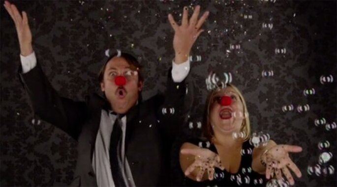 Brillantina y burbujas para un video de boda en cámara lenta - Foto The Adventures Of