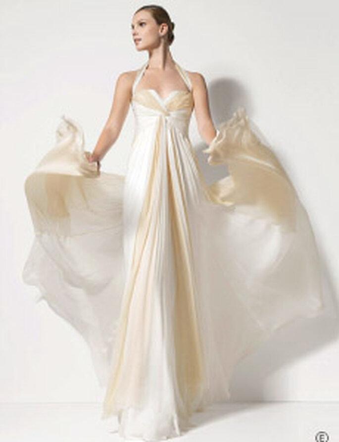 Jesús del Pozo 2010 - Promesa, vestido largo en gasa de seda plisada, corte imperio, escote halter en forma de corazón