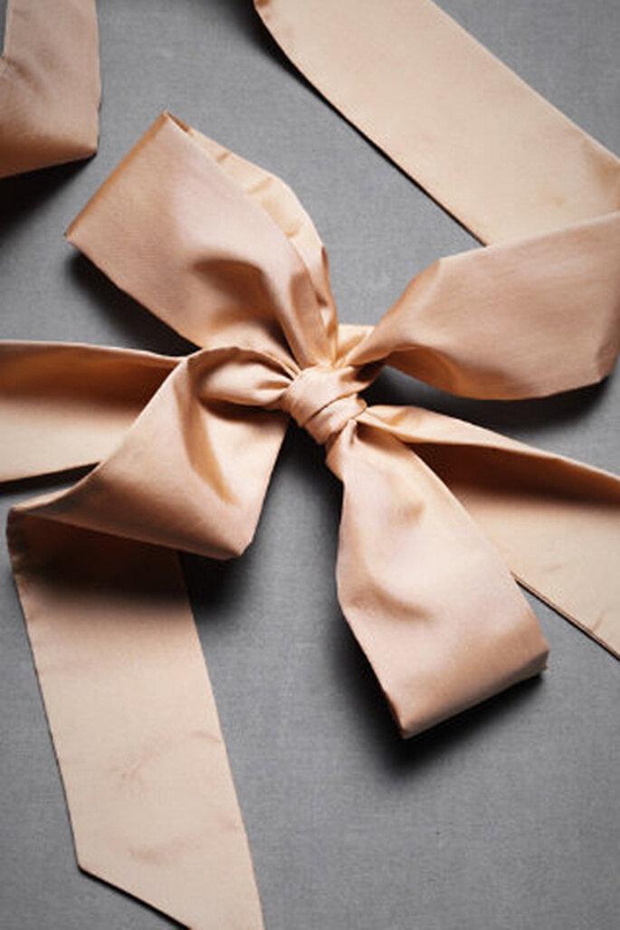 Elegantes accesorios de novia en color rosa - Fotos: Hitherto