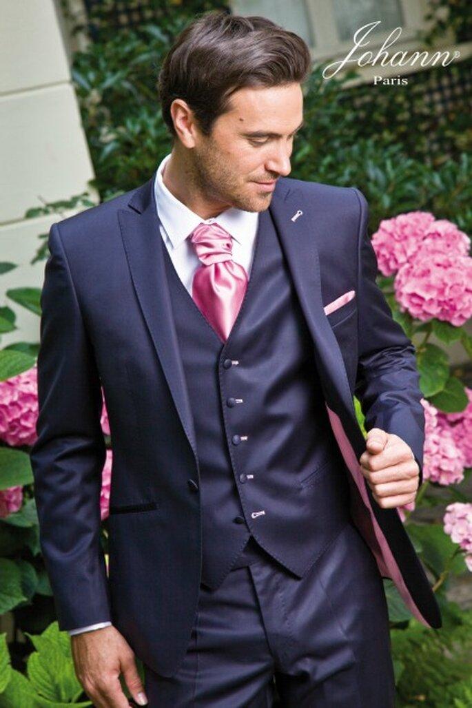 Costume 3 pièces marine et rose   top chic ! Veste 1 bouton cintrée ebf9b883a43