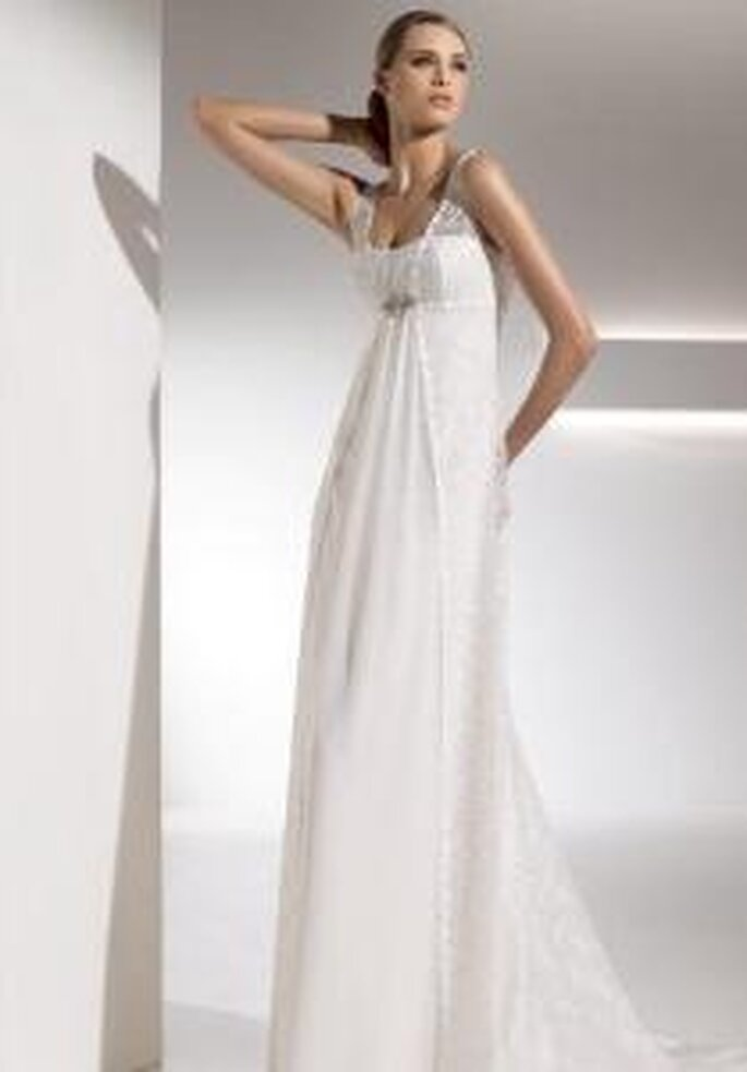 Pronovias 2010 - Gabela, long, empire-line dress in silk with lace over the dress