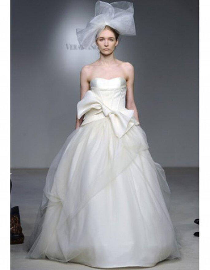 Vestido de novia de tul con ballgown trapunto cosidos corsé gazaar
