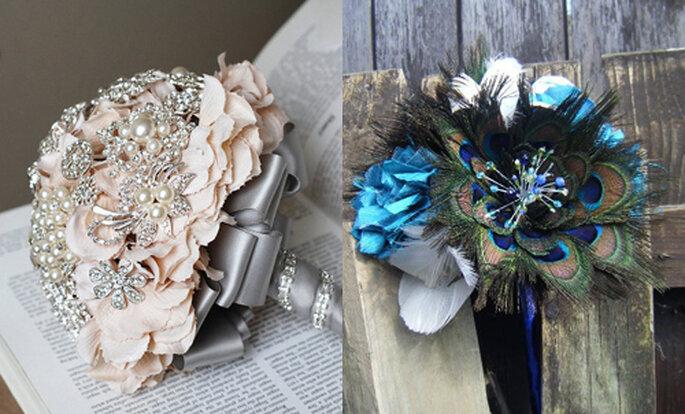 Per le più creative: da sinistra bouquet realizzato con spille e bouquet con piume di pavone, entrambi da Etsy.com. Foto: ameliste.it