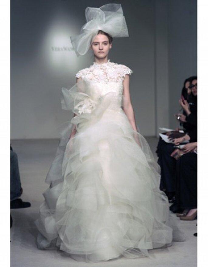 Vestido de novia de gala, falda con moño de tul