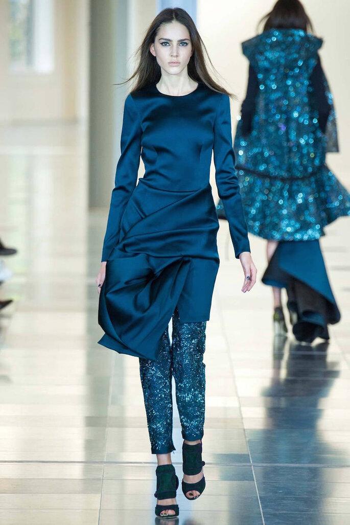 Vestidos de fiesta en color azul klein y marino - Antonio Berardi Facebook Oficial