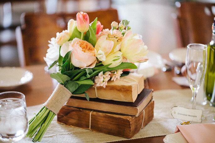 Libros para decorar tu boda - Becca Borge Photography