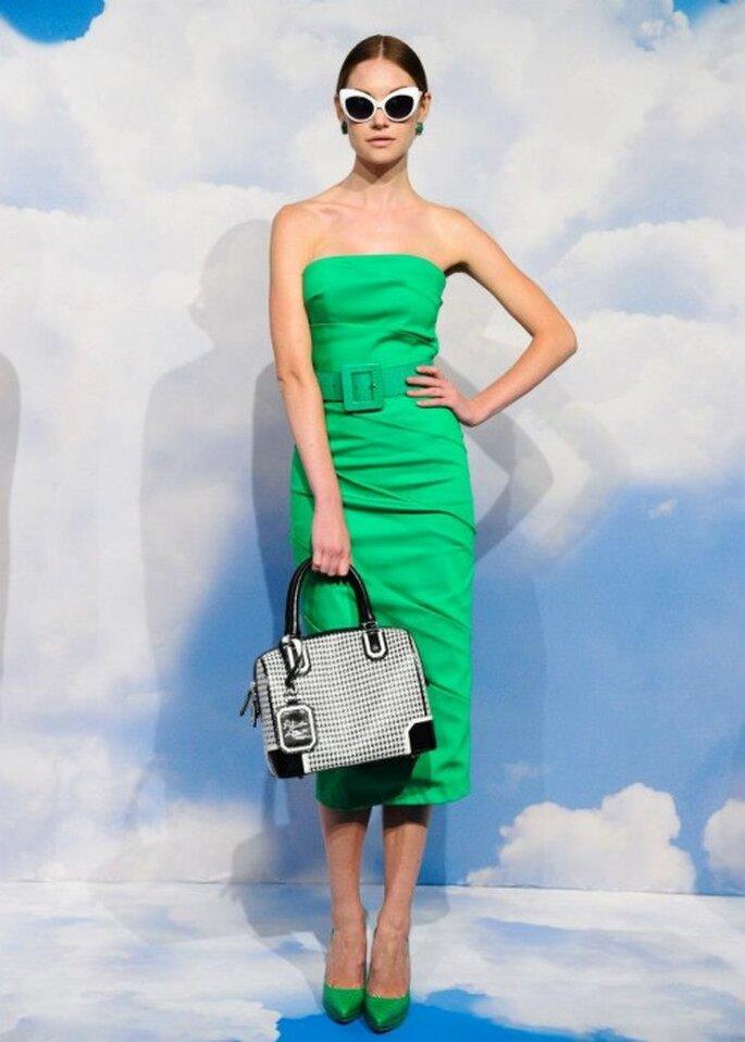 Vestido de fiesta ceñido en color verde brillante - Foto Alice + Olivia