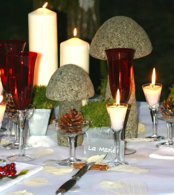 Misez sur une décoration de table romantique. - Photo : Mariage Hors Série