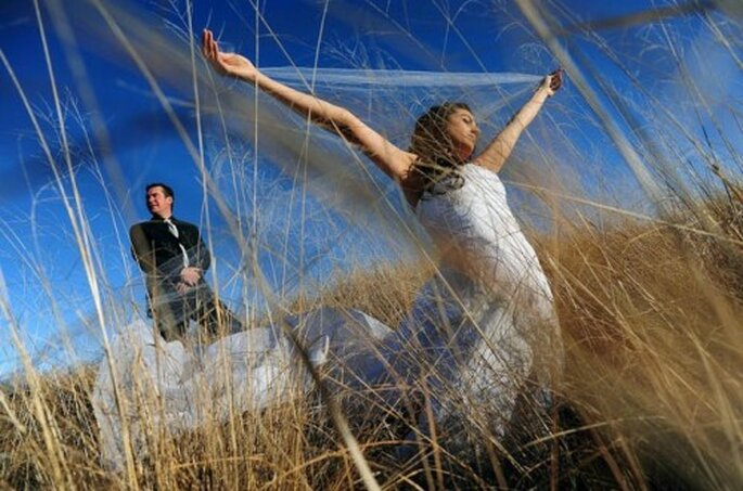 Kreative Hochzeitsfotos im Freien – Foto: Adrian Stehlik