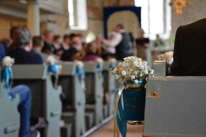 Nouveau Chapitre - renouvellement de voeux dans une église pleine d'invités