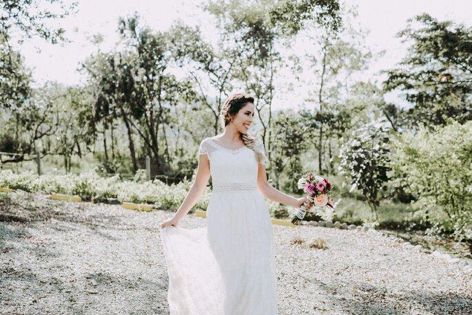Vestido de novia para matrimonio campestre  5 características que ... f932b4c315b