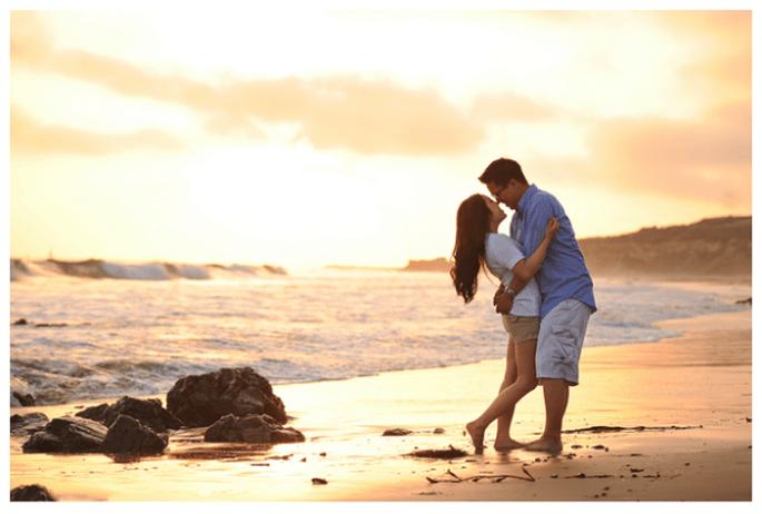 zdjęcie przedślubne na plaży sesja narzeczeńska