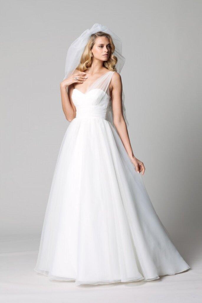 Vestido de novia con cauda Watteau - Foto Watters
