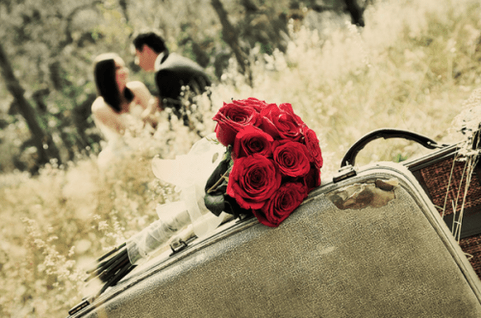 Sesión Trash the Dress de Angie y Rodrigo con detalles vintage - Foto Casa Fragma