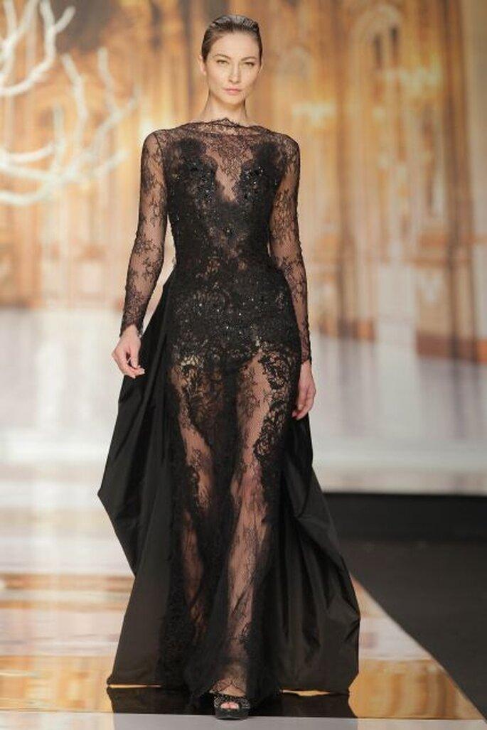 Vestido de encaje negro de Yolan Cris 2014. Foto: Barcelona Bridal Week