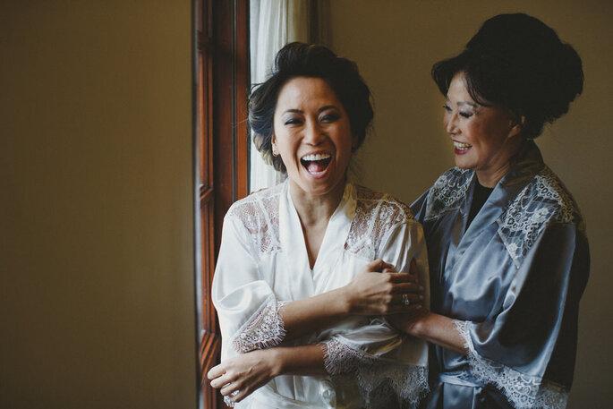 Noiva e sua mãe em making of