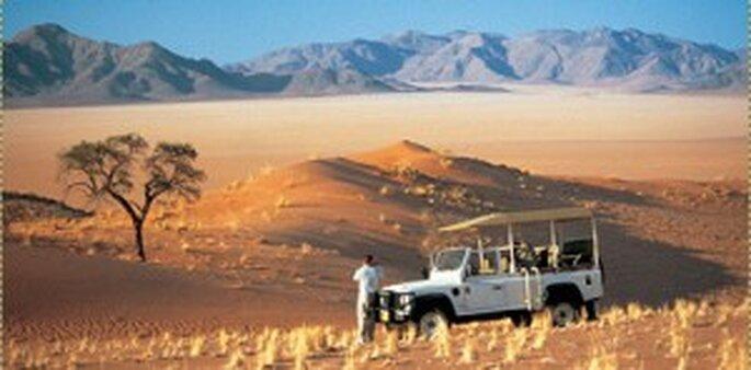 Hochzeitsreise nach Afrika ins Namib Rand Reservat - Jeep Tour