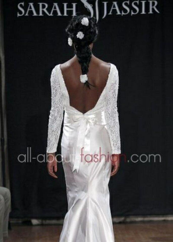 rückenfreies Brautkleid aus der Hochzeits Kollektion 2013 von Sarah Jassir