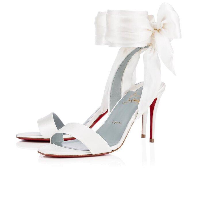 Sandalias de aire romántico con lazo en el tobillo