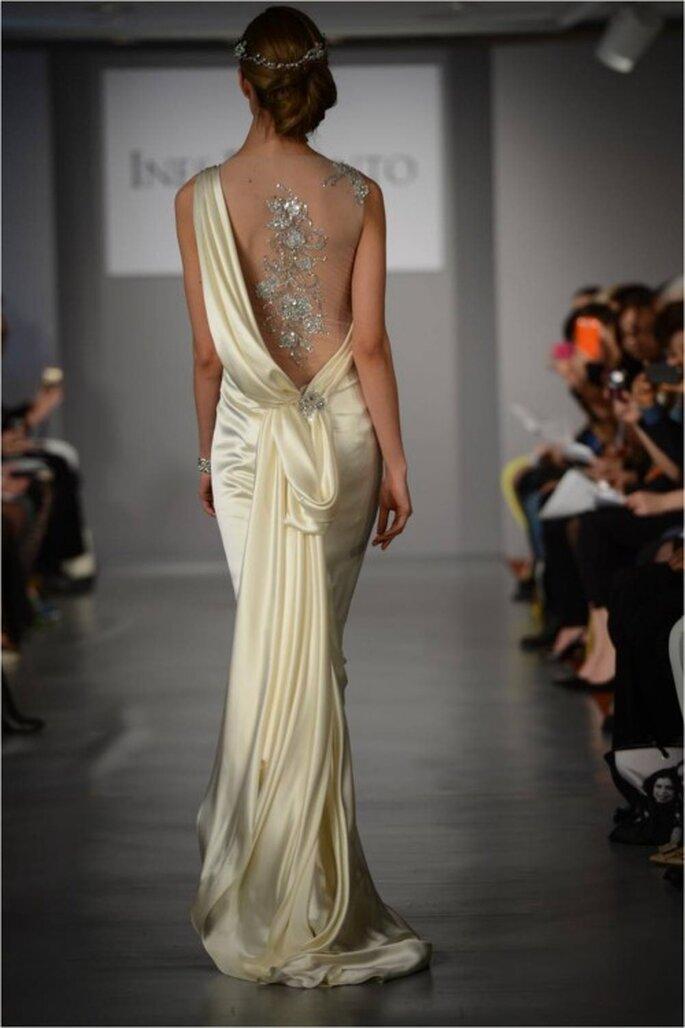 Vestido de novia 2014 con escote en la espalda de inspiración greco romana - Foto Ines di Santo