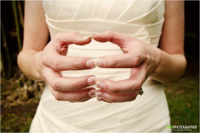 Es muss nicht immer die klassische weiße French-Lackerung sein – Foto: www.jhonphotographer.com
