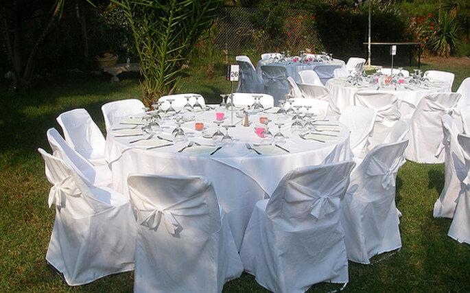 La organización de las mesas es el primer paso para una buena fiesta.