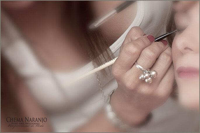 El maquillaje para tu boda es muy importante, asi que debes hacer al menos una prueba antes de la fecha señalada. Foto: Chema Naranjo